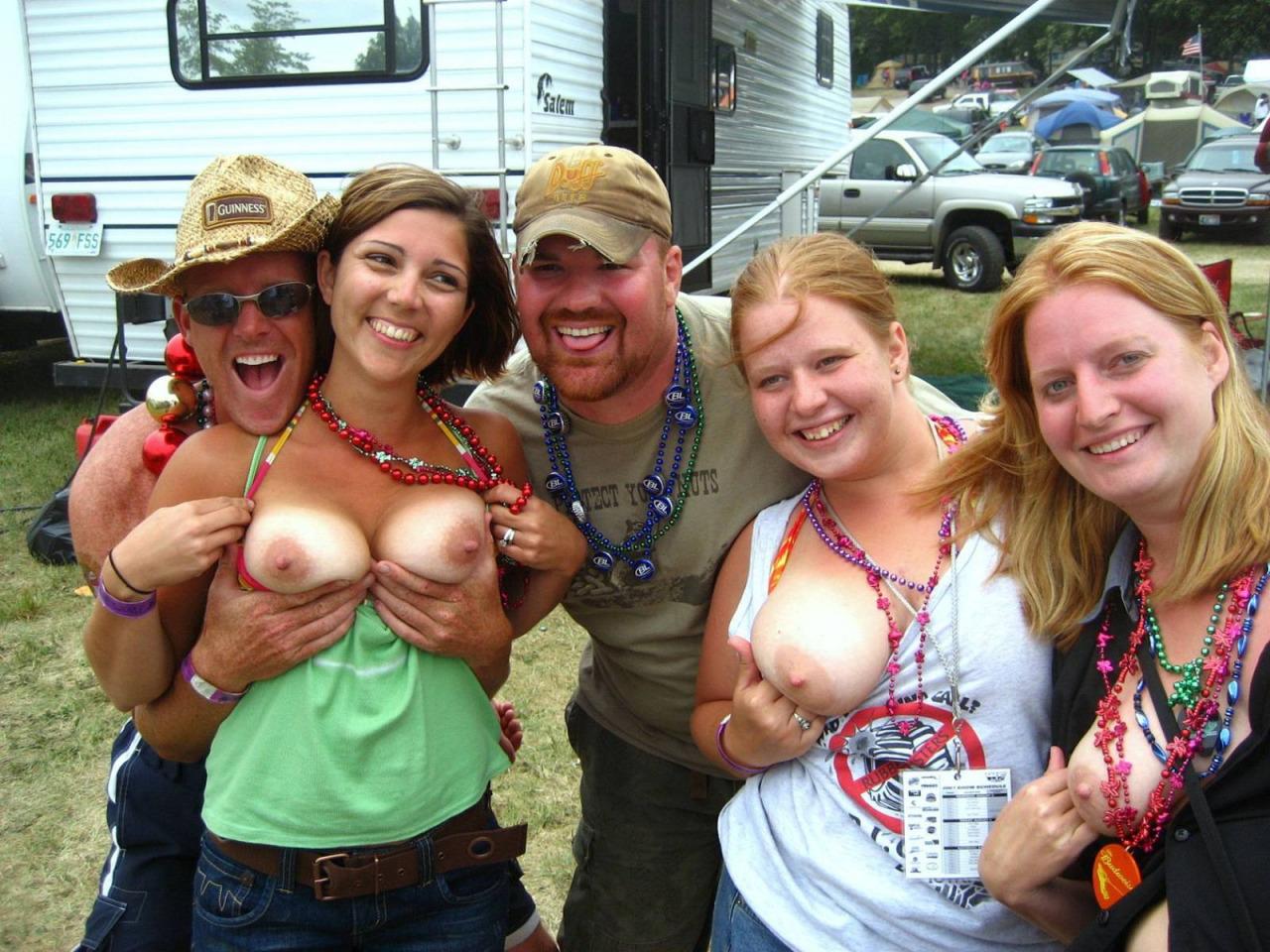 Big tits redneck nude